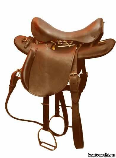 Седло для лошади: кавалерийское, казачье, женское или дамское, вестерн, выездковое и спортивное, описание и устройство, когда появилось и из чего изготавливалось