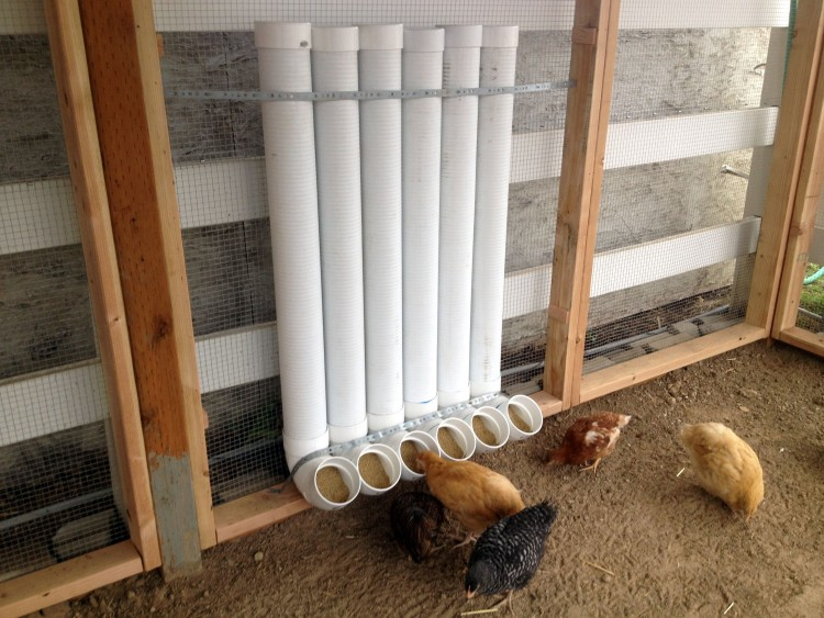 Кормушка для цыплят своими руками: пошаговая инструкция