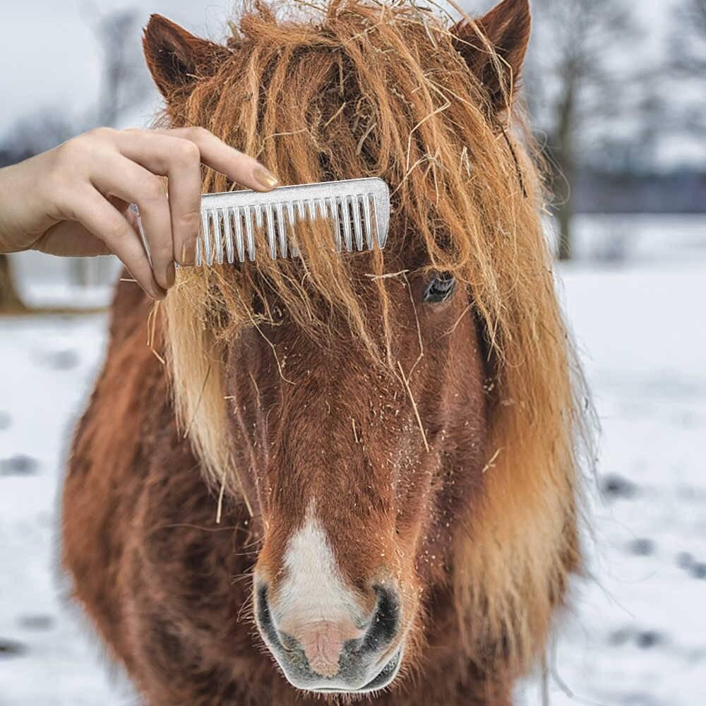 Как ухаживать за хвостом и гривой лошади